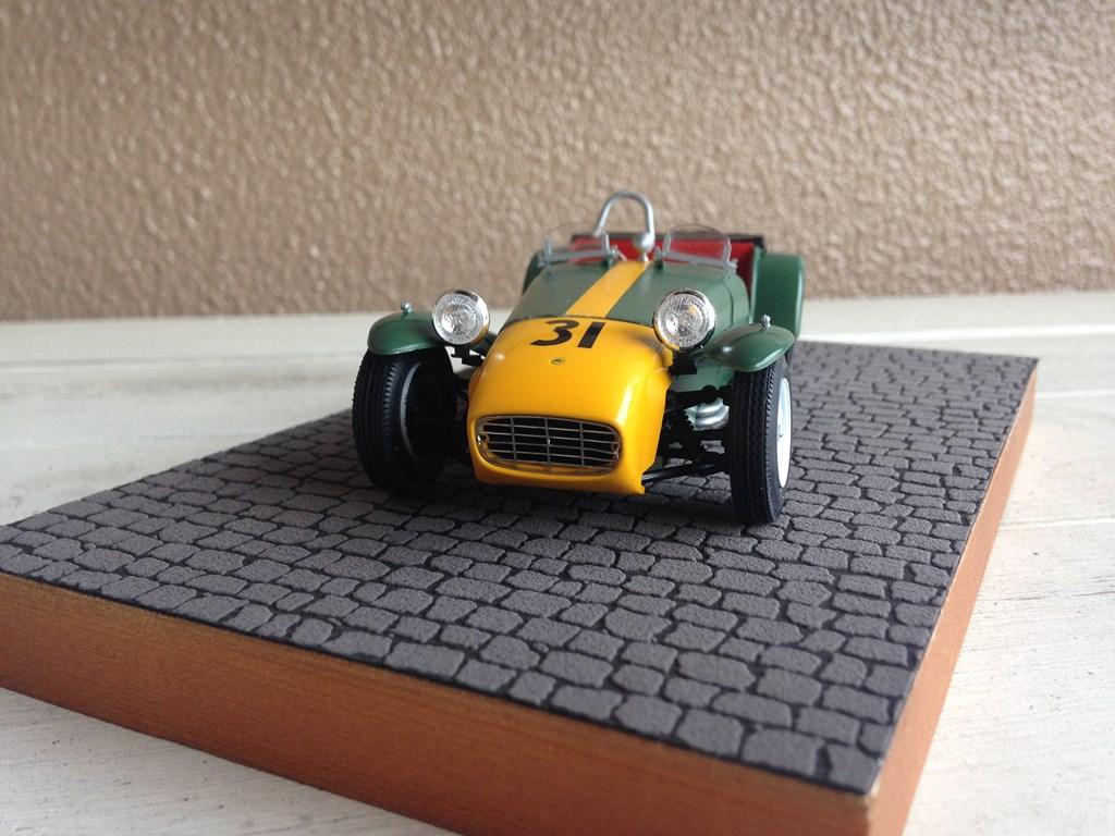 Lotus7-03.jpg