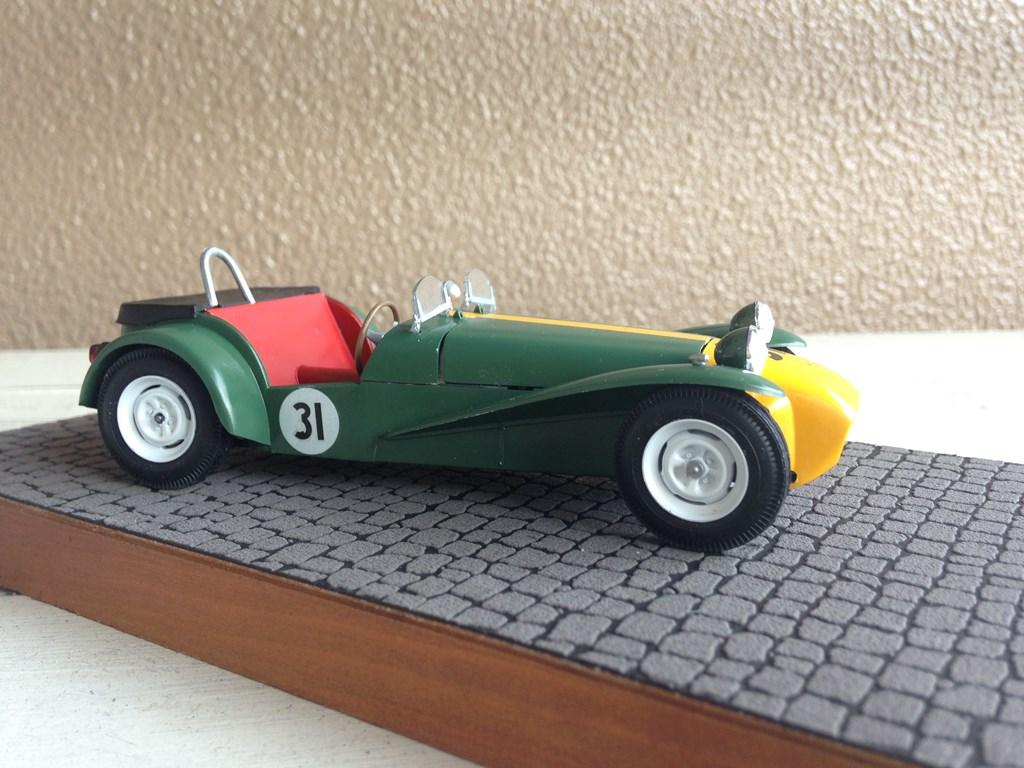 Lotus7-04.jpg
