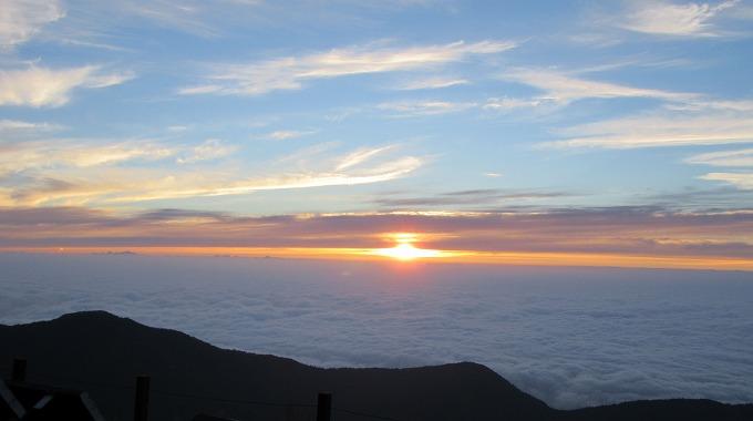 雲海から太陽が顔を出す 28.7.24