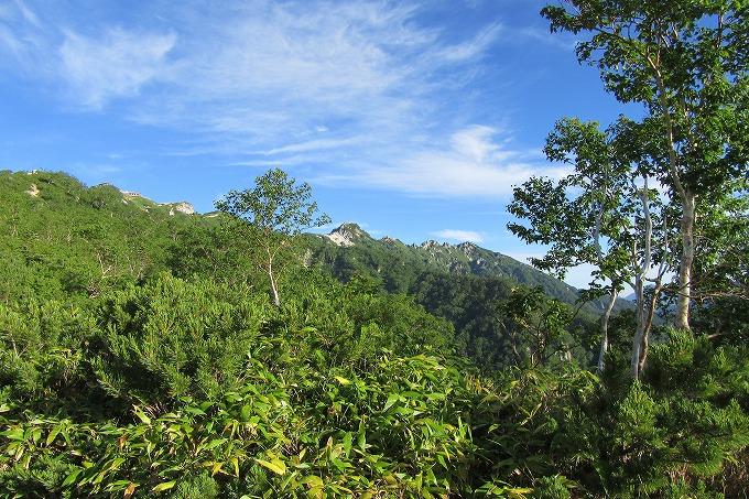 下山中 燕山荘が見えるのはここが最後 28.7.24