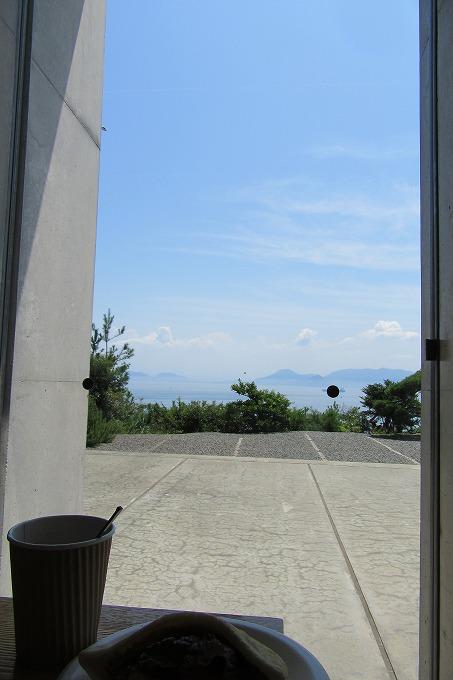 直島 窓から 28.7.31