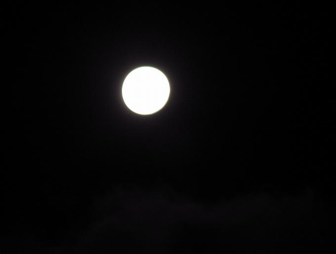 雲と大きいお月様 28.11.15