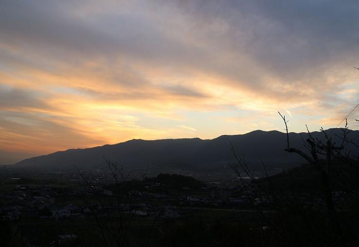 太陽は七宝の山へ沈む 28.12.3