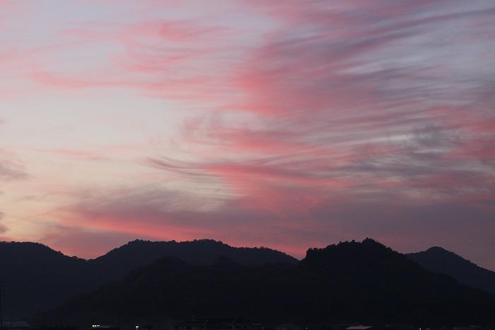 高瀬川土手から七宝山を 28.12.3
