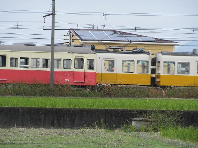 線路はあるみたい 電車きた 28.12.16