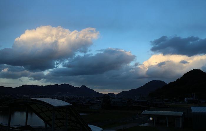 北北東の方面の空は 28.12.16