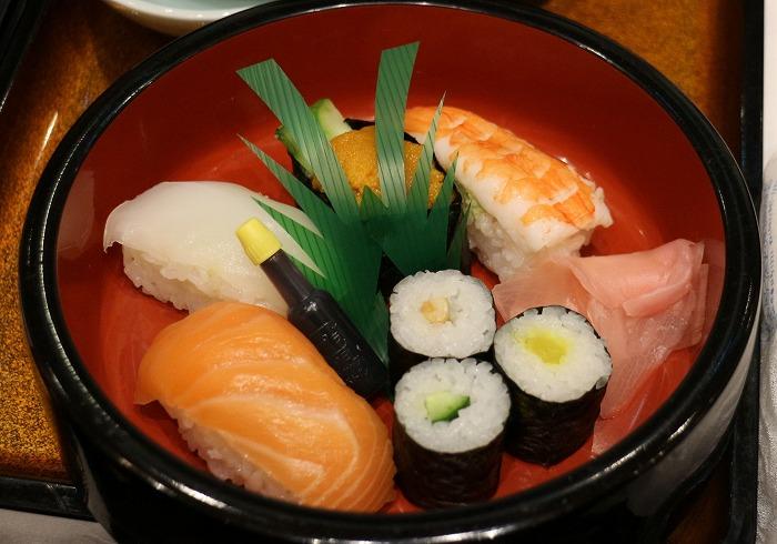 則男むかわれ お寿司 28.12.24