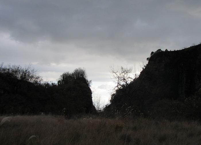 爺神山の掘った所 16時前 28.12.27