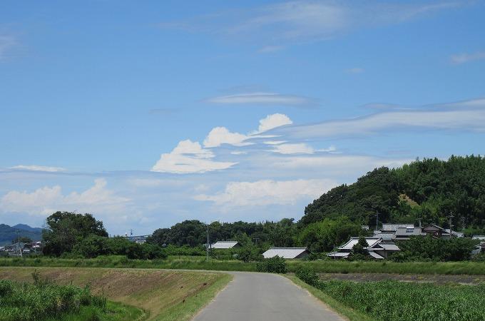 北西側の空にも不思議な雲 28.7.3