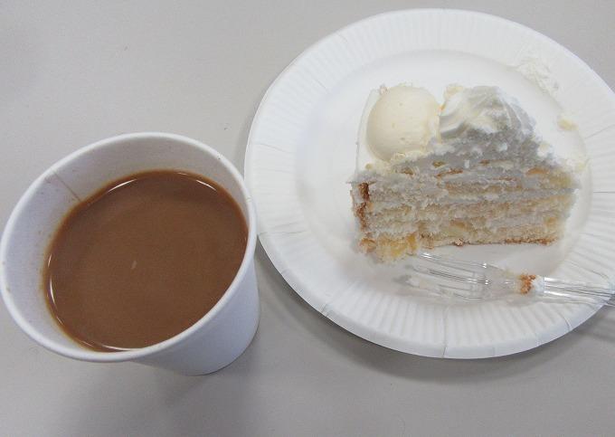 クリスマスケーキとコーヒー 28.11.8