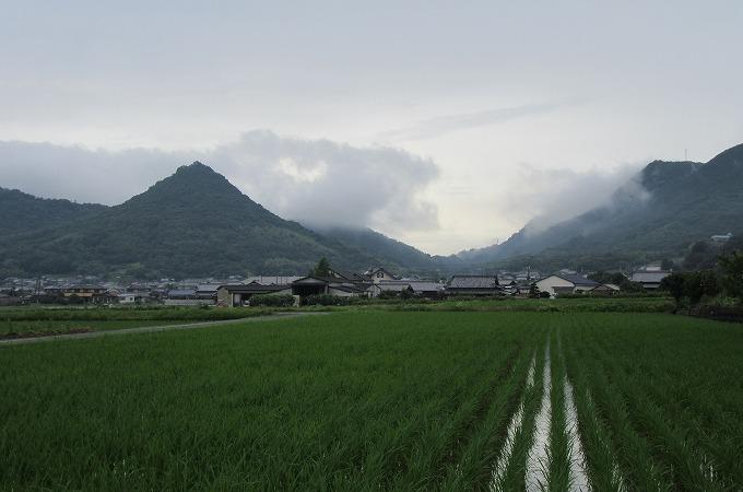貴峰山と雲と 28.7.14