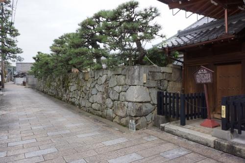 2石垣 (1200x800)