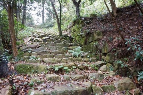 14本丸への階段 (1200x800)