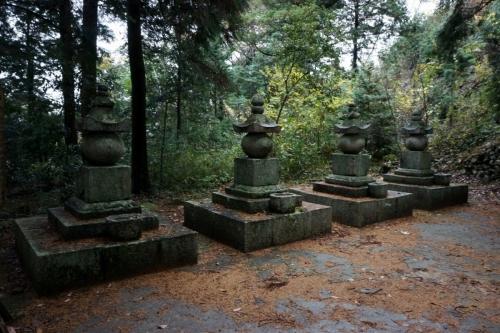 10墓所 (1200x800)