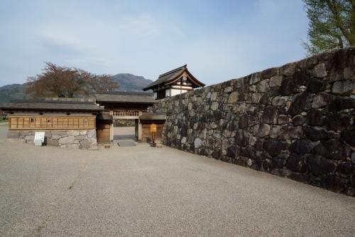 6裏門 (1200x800)