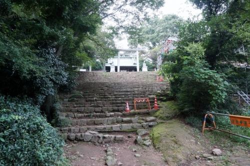 11神社へ (1200x800)