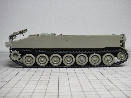 M109パラディン自走砲 キャタピラ弛み