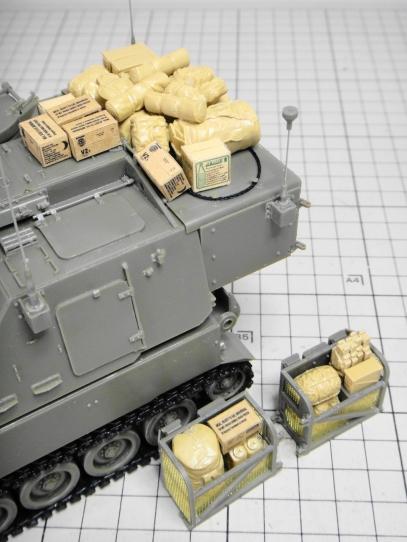 M109パラディン自走砲 荷物