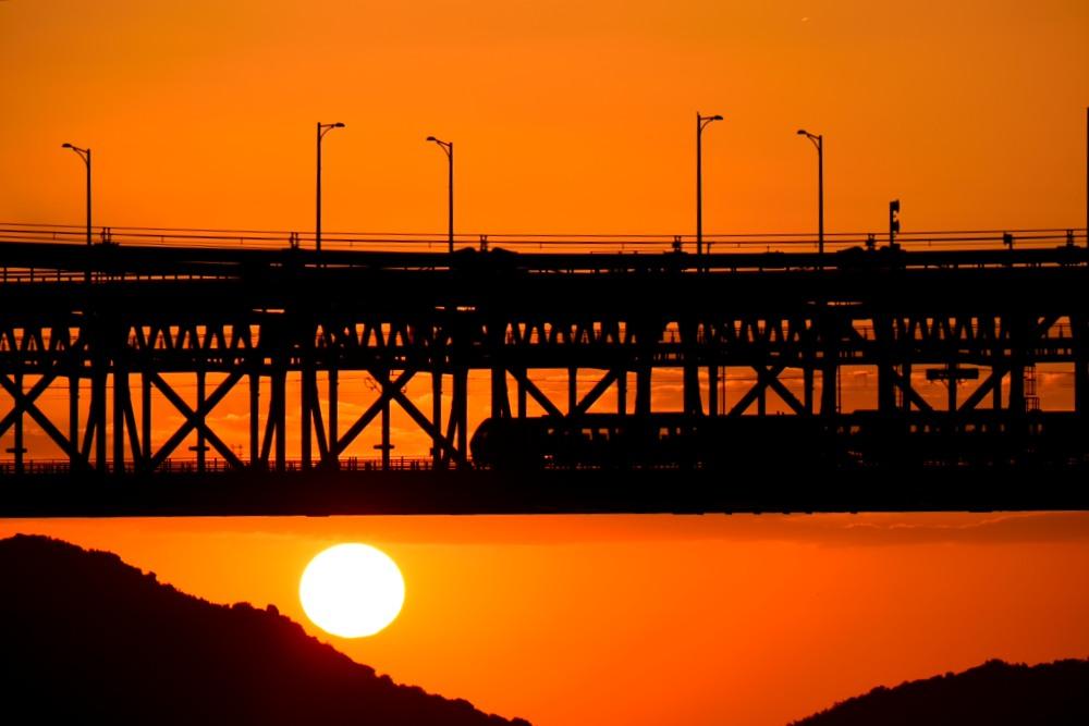 夕陽と列車望遠DSC_1109