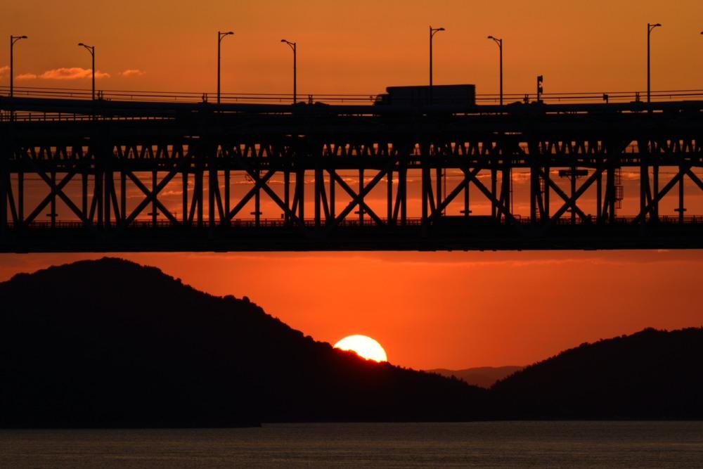 沈む夕陽とトラック望遠DSC_1127