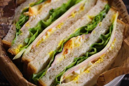 ライ麦パンサンドイッチ2