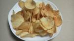 カルビー「ポテトチップス極濃 ガーリックバター味」