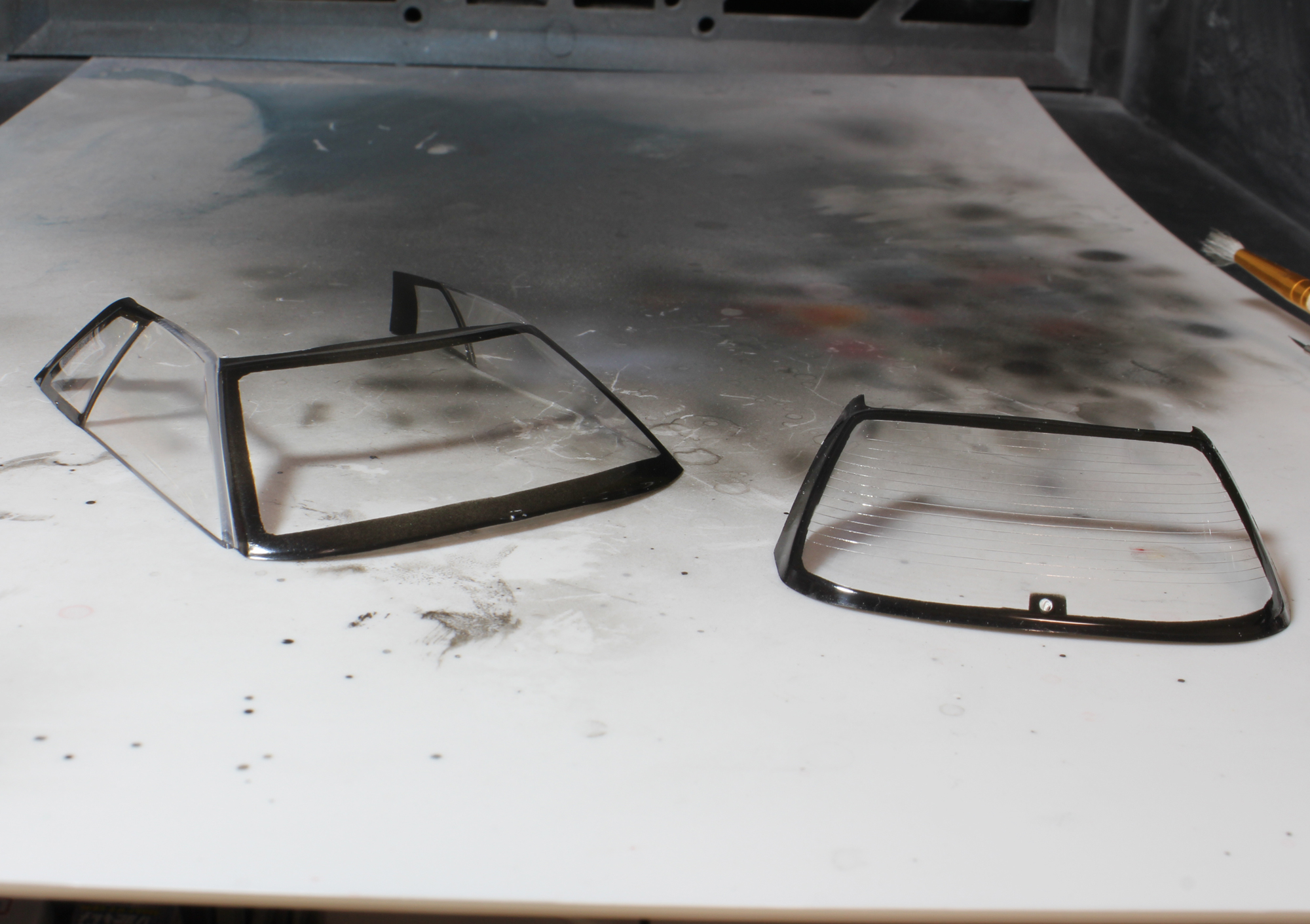 R32窓枠周囲塗装完了