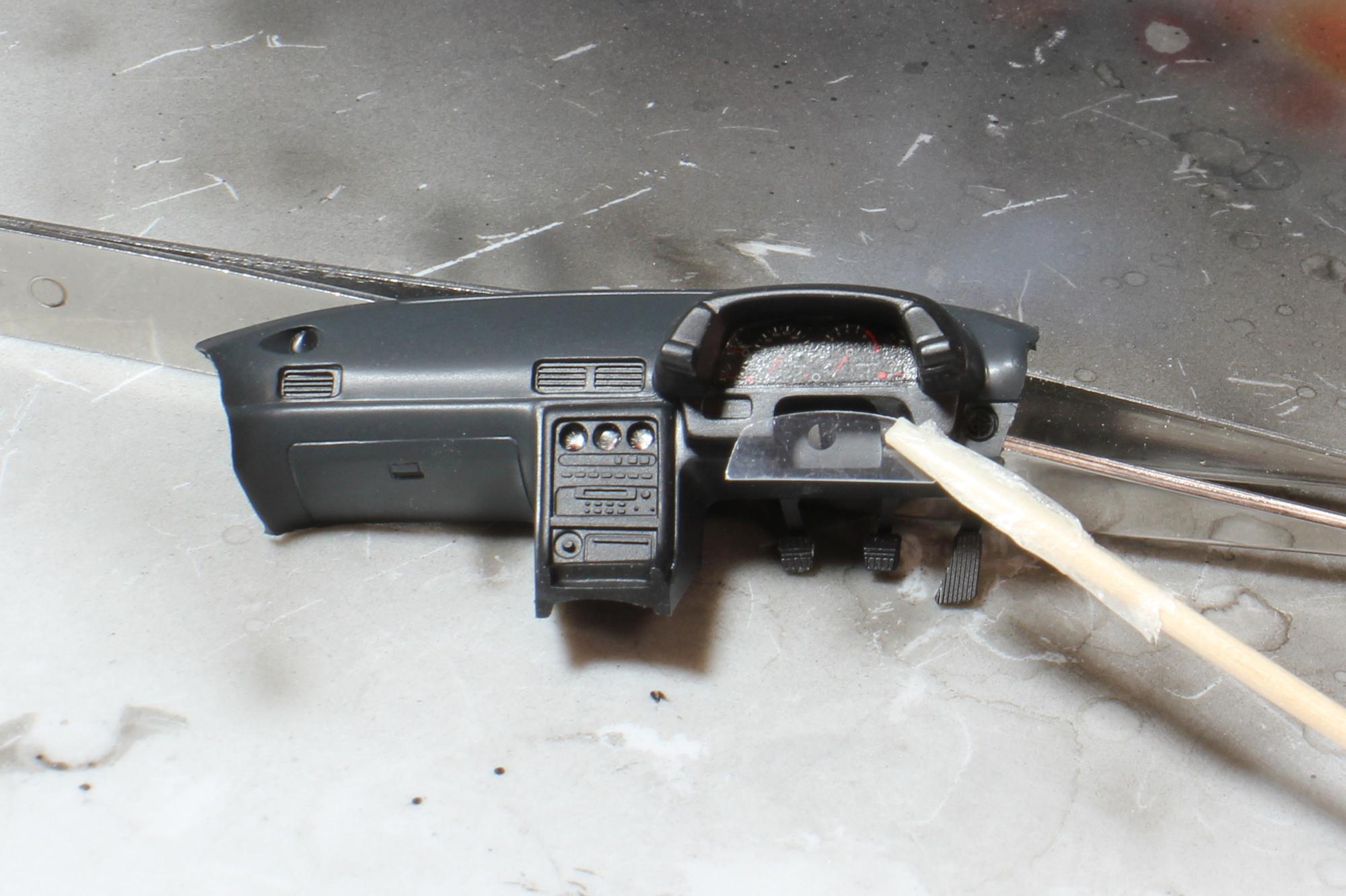 R32インパネ透明プラ板貼り