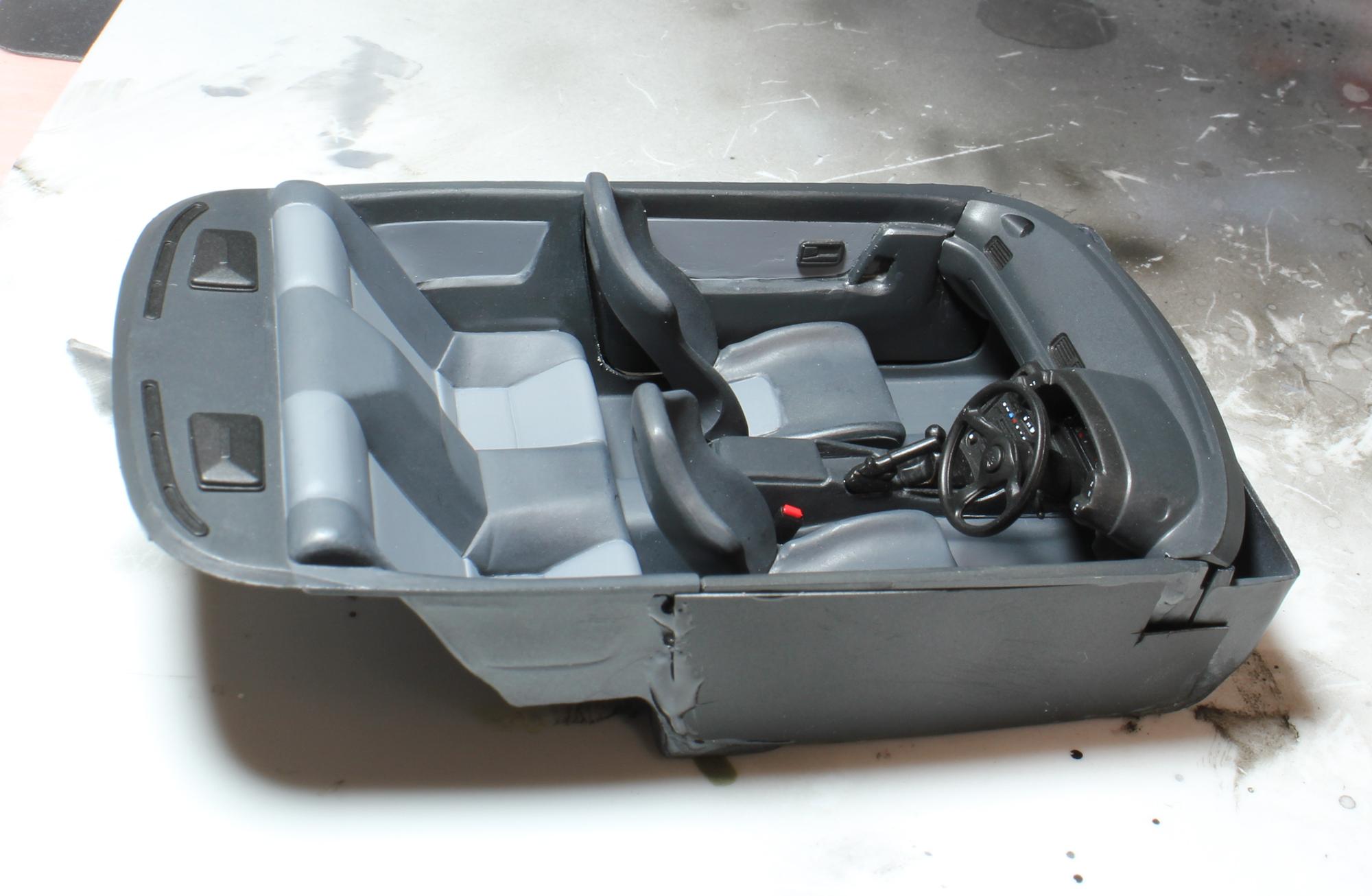 R32内装完成1