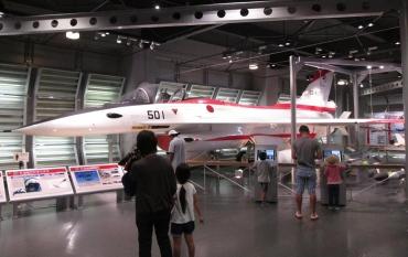 FS-X(次期支援戦闘機)プロトタイプT-2CCV(XF-2A)航空自衛隊浜松広報館・エアーパークジェネラル・ダイナミクス(F-16Cロッキード・マーティン)マクドネル・ダグラス(FA-18ボーイング)パナヴィア(トーネード IDS)「SHIROBAKO」陸上自衛隊広報センター(りっくんランド)海上自衛隊佐世保史料館