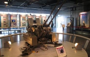 ラインメタル対空20mm2連砲 Mk.20Rh202(Rheinmetall Mk.20 Rh202)二連装機関砲M61 バルカン (M61 Vulcan)エリコンKA(Oerlikon KA series)イスパノ・スイザ 64式7.62mm小銃 シグザウエル 9mmパラベラム弾 MG 151(Mauser) 2 cm Flak 38 NATO弾