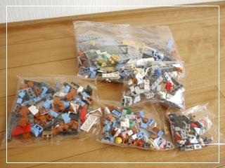 LEGOCornerDeli03.jpg