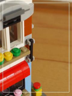 LEGOCornerDeli16.jpg