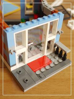 LEGOCornerDeli32.jpg