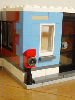 LEGOCornerDeli35.jpg