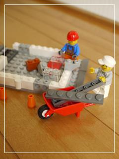 LEGOCornerDeli48.jpg