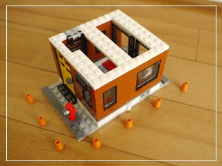 LEGOCornerDeli51.jpg