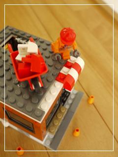 LEGOCornerDeli52.jpg