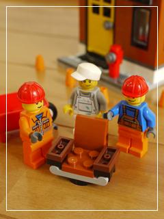 LEGOCornerDeli55.jpg