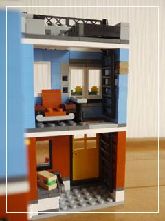 LEGOCornerDeli58.jpg