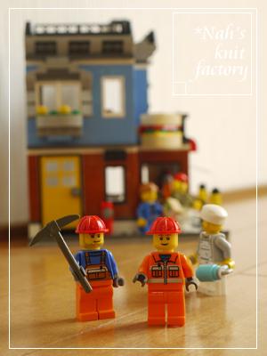 LEGOCornerDeli61.jpg