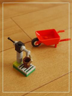 LEGONewbornFoal06.jpg