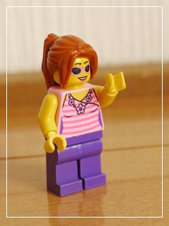 LEGOSupermarketSuitcase07.jpg