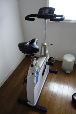 エアロバイク サドル交換
