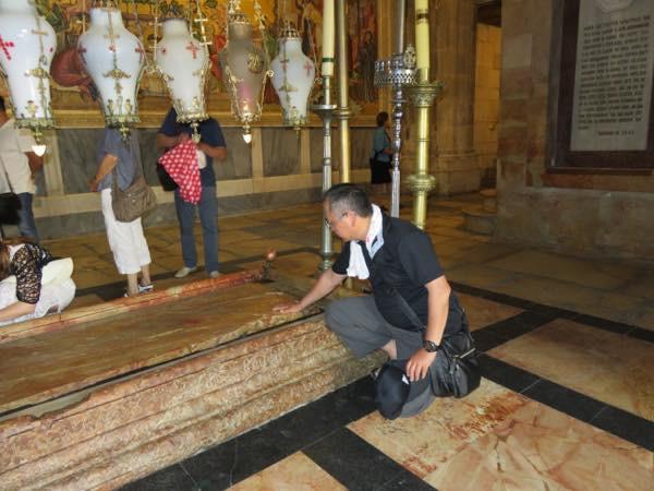 20160615 キリストの遺体が置かれた石にて_th