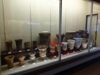 縄文時代中期から後期の土器の展示