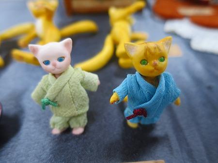 作務衣を着た猫
