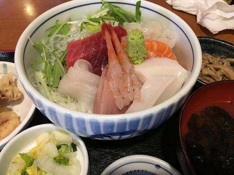 0964 海鮮丼