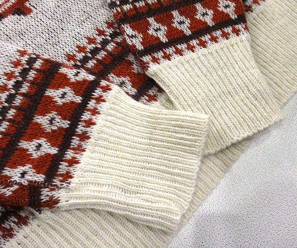 knit_snpybwn08.jpg
