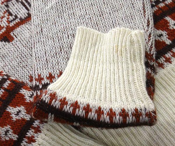 knit_snpybwn09.jpg
